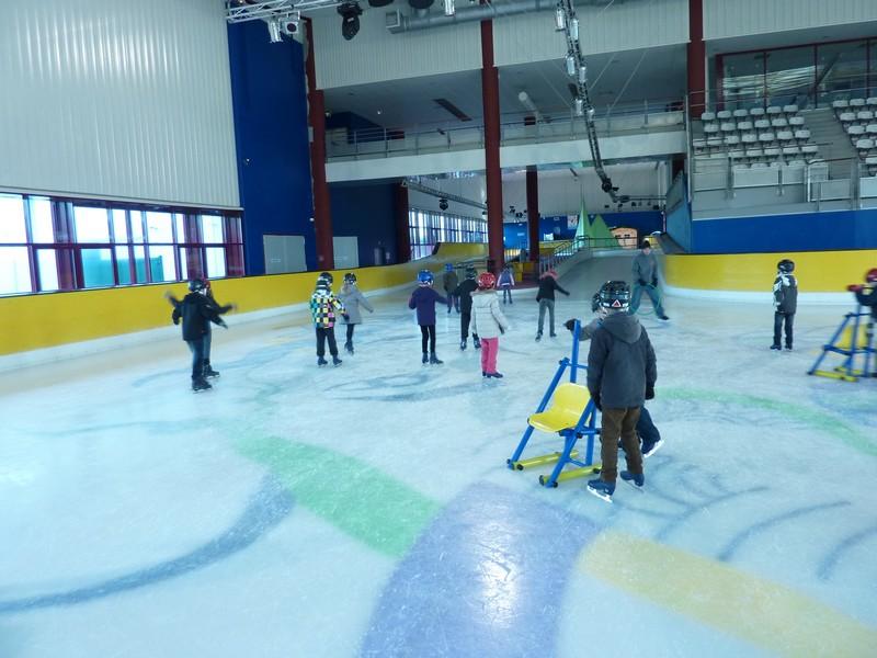 La patinoire c est chouette ecole l mentaire mario for Angouleme piscine nautilis