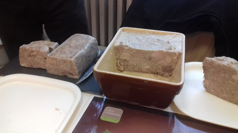 coule sur un plateau a fromage mots croisés